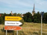 Altenmünster Besinnungspfad. Hintergrund Pfarrkirche